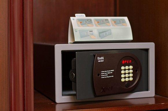 为什么客房里的保险箱不一定保险 以及你应该怎么办?