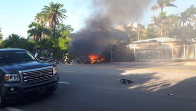 特斯拉Model S再出事故 撞墙起火造成两死一伤
