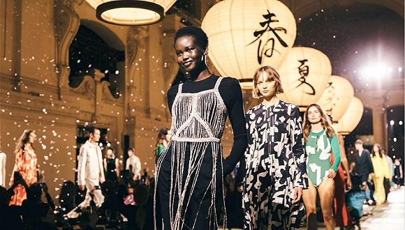 出现在时尚界顶级盛宴的Met Gala上能为快时尚H&M带来什么?