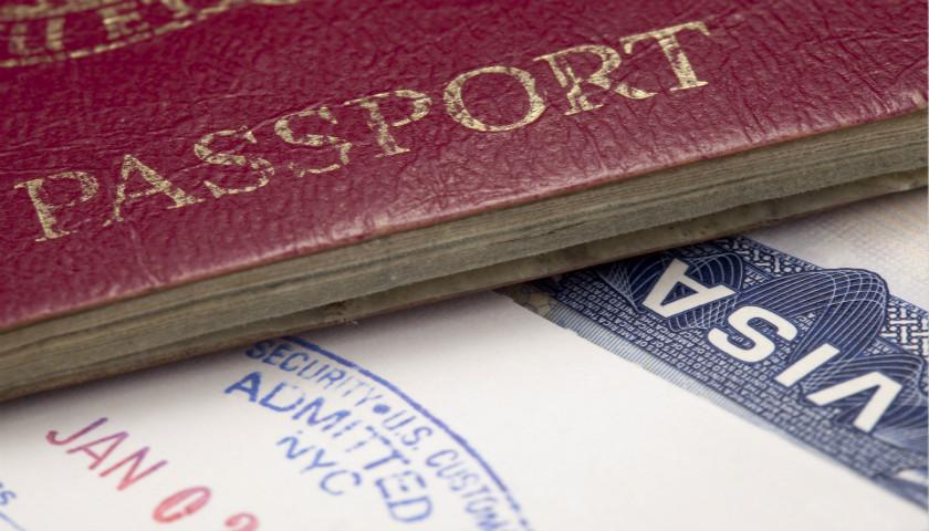 英国至少有1000名技术移民误遭遣返