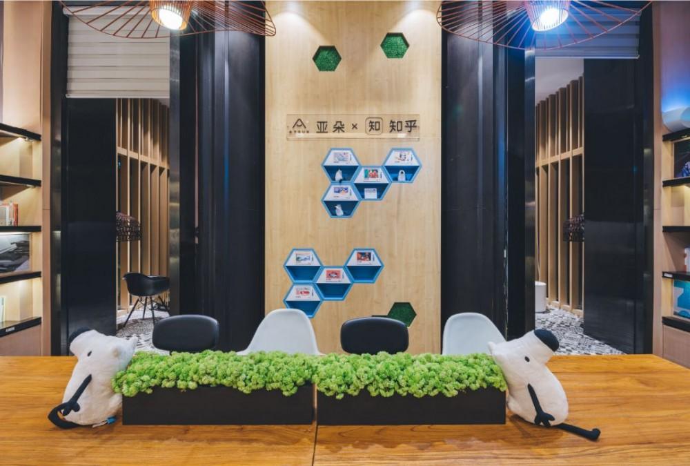 亚朵推出新IP酒店,除了谁是合作方,你可能还要关注这些