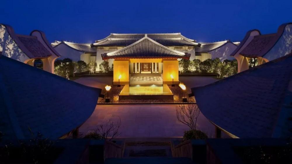 东钱湖畔遇见新中式,朗廷潮牌的度假首秀来了!