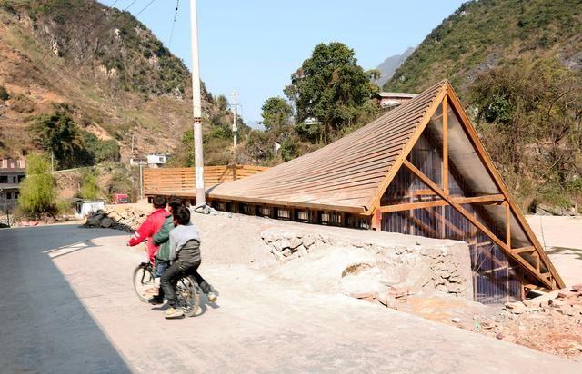 两个香港年轻人跑到小村造房子 13 年 ,让它们变美还拿国际大奖