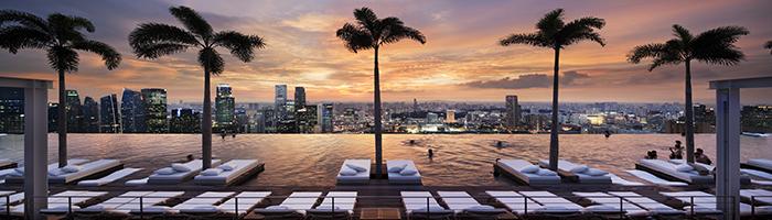 如果现实中有一座钢铁侠的斯塔克大厦,大概就是新加坡滨海湾金沙了吧