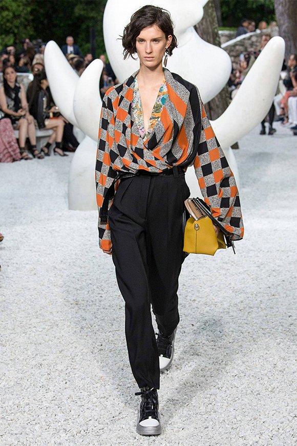【是日美好事物】Louis Vuitton早春系列原始美里藏爆款 OYSHOx天猫展示夏天能有多缤纷